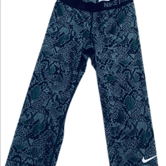 Nike Pants - Nike Pro Capri Leggings Small